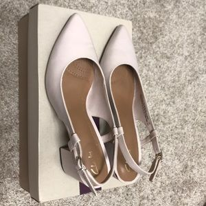 Clarks nude pink leather flats